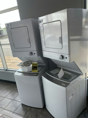 Whirlpool one unit stackable for Sale in Westland, MI