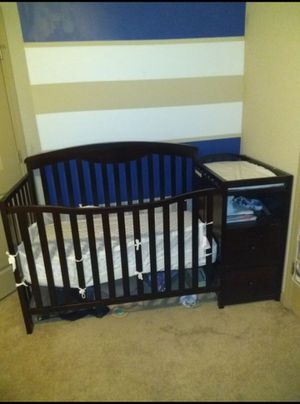 Baby Crib With Changing Table And Drawers for Sale in Atlanta, GA