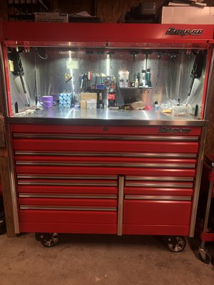 Snap on epiq series tool box with hutch and stainless steel top for Sale in Woodbridge, VA