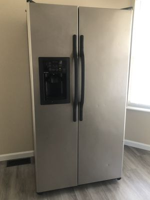 Free Fridge ! for Sale in Arnold, MO