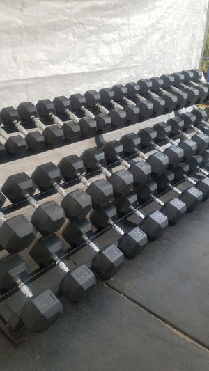 ( EXERCISE FITNESS 365 ) BRAND NEW CONDITION USA SPORTS HEX RUBBER COATED DUMBBELLS WITH SOLID AND STURDY 3 TIER RACK FOR SPACE SAVING for Sale in Long Beach, CA