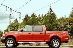 Ford limited loaded 2002 F150 4x4 Lariat for Sale in Austin, TX