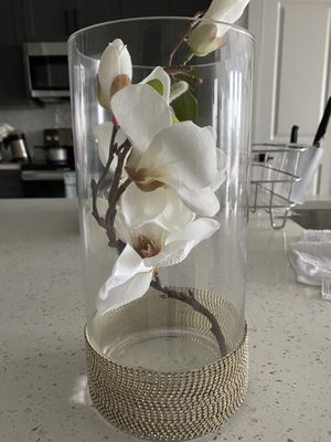 Vase with artificial flower for Sale in Atlanta, GA
