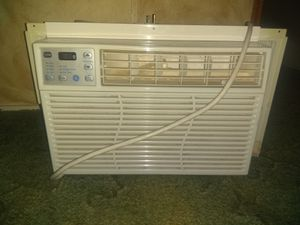 Window AC unit 6400 btu for Sale in El Paso, TX