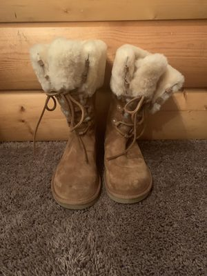 Women Ugg boots for Sale in Chicago, IL