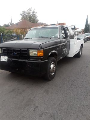 Grua de venta 5500 for Sale in Los Angeles, CA