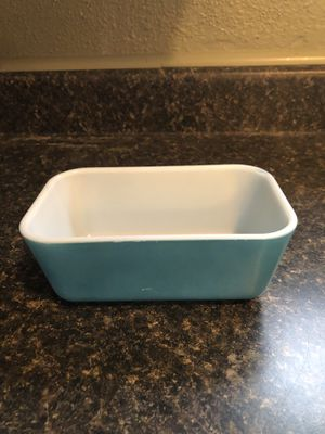 Small Pyrex loaf dish. for Sale in San Antonio, TX