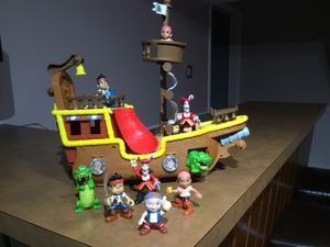 Jake and the Netherland Pirates musical pirate ship - Collectable. With 8 action figures. for Sale in McLean, VA