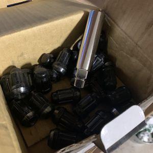 Black Lug Nuts 12x1.25 for Sale in Turlock, CA