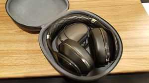 Samsung bluetooth wireless headphone for Sale in Diamond Bar, CA