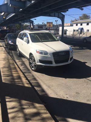 Parts parts only ... 2008 audi q7 parts only for Sale in Philadelphia, PA