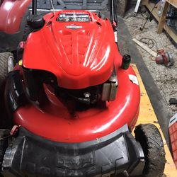 Used Push Mower $100 Firm for Sale in Dallas,  TX