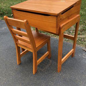 Children's Desk - Lipper 564p for Sale in East Granby, CT