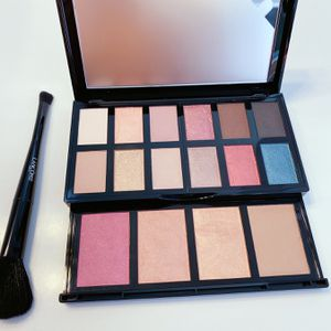 Brand new Lancome eyes & face palette with brush for Sale in Chandler, AZ