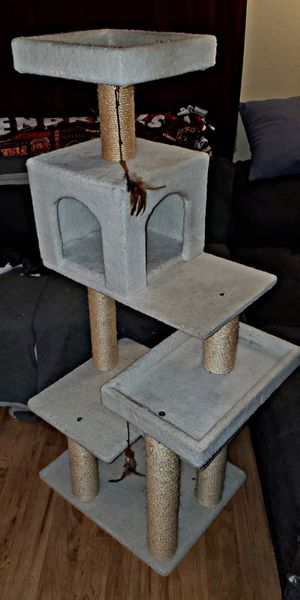 4-tier Cat Tower for Sale in Marysville, WA