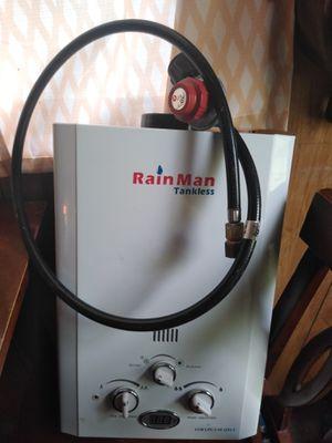 Gas water heater for Sale in Polk City, FL