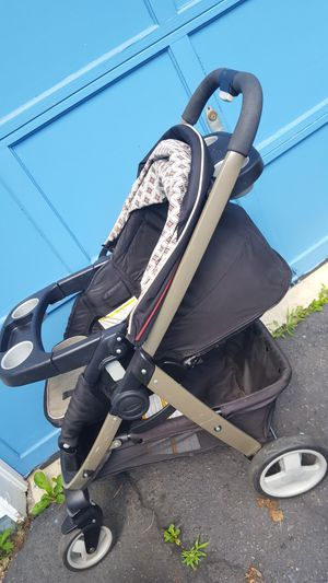 Travel system stroller and infant car seat for Sale in Springfield, VA