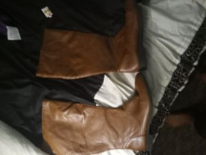 American eagle women's leather boots size 8 and a half for Sale in Duluth, GA