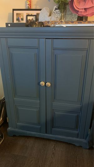 Cabinet for Sale in Bakersfield, CA