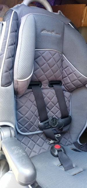 Eddie Bauer car seat for toddlers for Sale in Fort Worth, TX