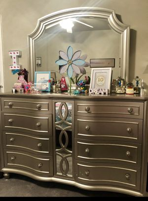 Beautiful pearlized silver 8-drawer dresser for Sale in Frisco, TX