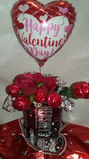 Valentines day Balloon Decor for Sale in St. Louis, MO