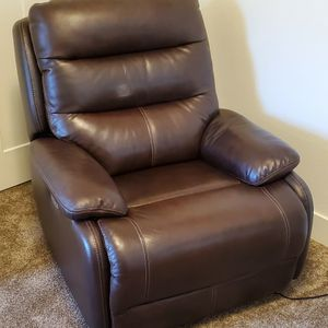 Electric Rocker/Recliner Dark Brown Genuine Leather for Sale in Woodburn, OR