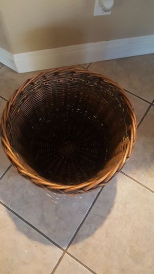 Basket for Sale in Romoland, CA