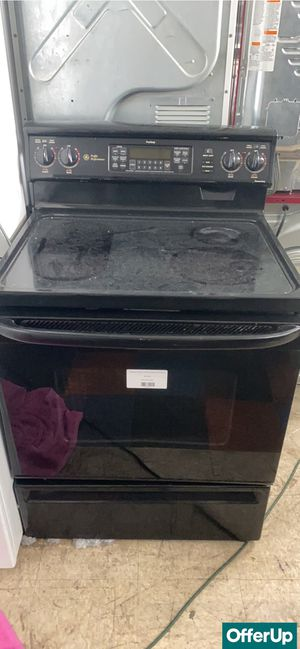 🚀🚀🚀Glass Top Electric Stove Oven GE Black #817🚀🚀🚀 for Sale in Sanford, FL