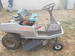 Craftsman Riding Lawn Mower for Sale in Sanger, CA