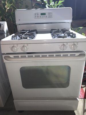 GE Stove/Oven for Sale in Pomona, CA