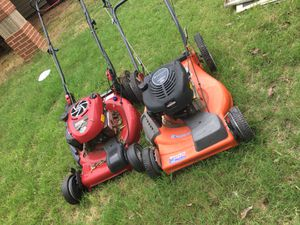 Lawn Mowers - selling for parts or for fixing for Sale in Arlington, TX