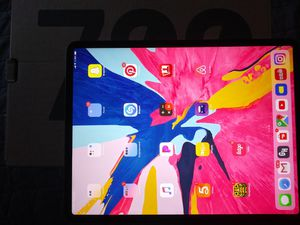 Ipad pro 12.9 inch 64Gb for Sale in Lynwood, CA