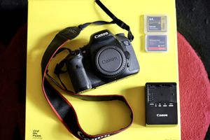 Canon EOS 7D with, battery, charger, and storage cards for Sale in Austin, TX