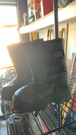 Kid snow boots for Sale in Laguna Niguel, CA