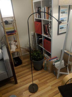 Black floor lamp for Sale in Oakland, CA