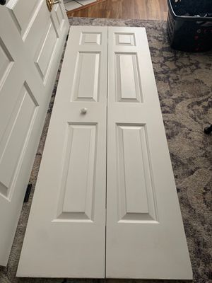 Single Accordion Bifold Door for Sale in Virginia Beach, VA