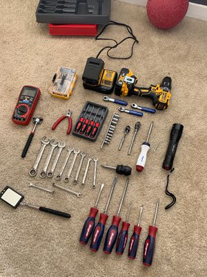 Snap on set with brand new 20v dewalt drill brand new for Sale in Englewood, CO