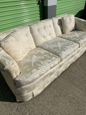 Cream colored bird pattern couch. Pick up in Florence KY for Sale in Florence, KY