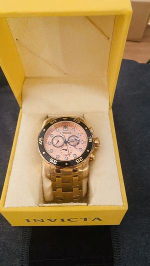 Gold invictas divers watch. Practically brand new. for Sale in Peoria, AZ