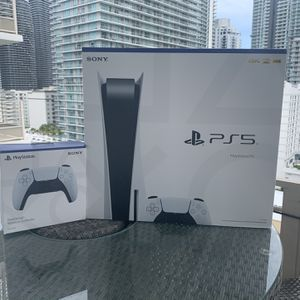 BRAND NEW PLAYSTATION 5 STANDARD PS5 DISC WITH CONTROLLER for Sale in Miami, FL