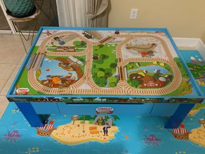 Thomas &friends train table With the mat for Sale in Tampa, FL