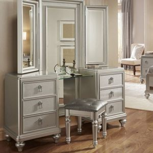GORGEOUS VANITY! for Sale in Arvada, CO