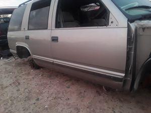 Partes tahoe jeep kia dodge impala Volkswagen for Sale in Rio Grande City, TX