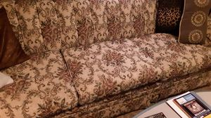Long Couch. $20 in great cond. for Sale in Wichita, KS