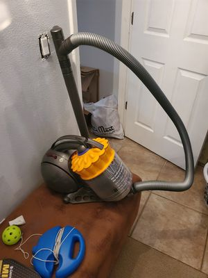 Dyson vac for Sale in Tampa, FL