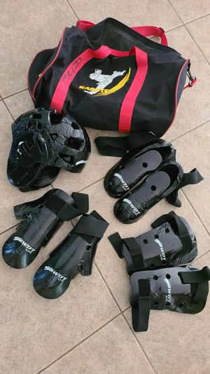 Sparring gear (youth) for Sale in Turlock, CA