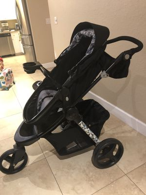Stroller/ car seat/ bases for Sale in Fort Myers, FL