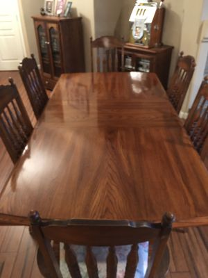 Beautiful dining room table set solid wood for Sale in Manteca, CA