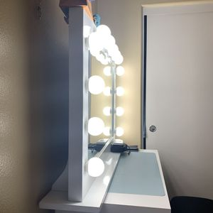 Impressions Vanity for Sale in Corona, CA
